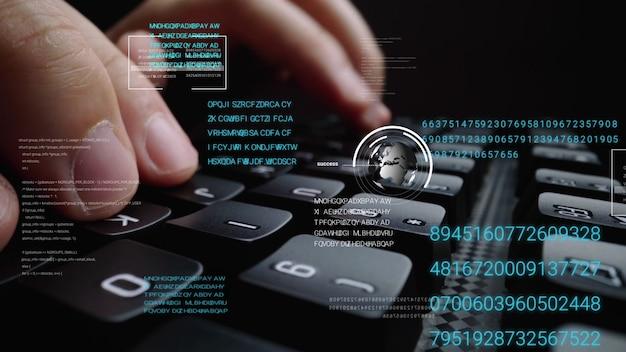 Equipaggi lavorare alla tastiera del computer portatile con l'interfaccia utente grafica Foto Premium