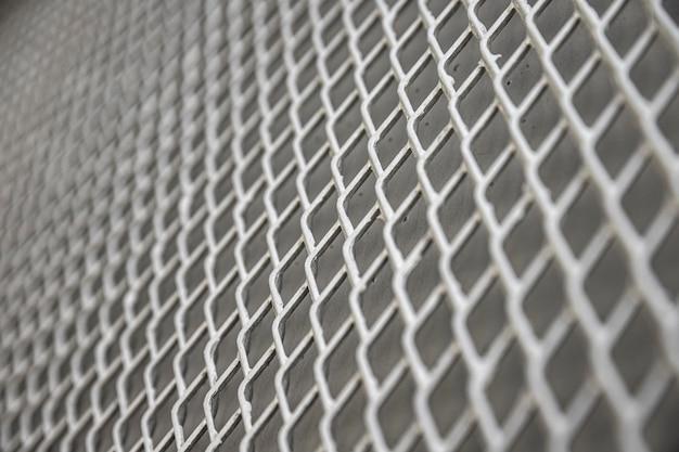 Recinzione metallica di fondo nei toni del grigio Foto Premium