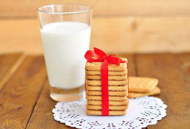 Latte e biscotti Foto Premium