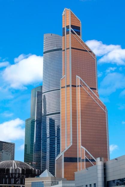Mosca, russia - 28 settembre 2018 - moscow international business center in una luminosa giornata di sole Foto Premium