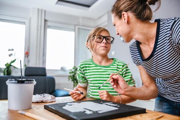 Tela dipinto per madre e figlia Foto Premium