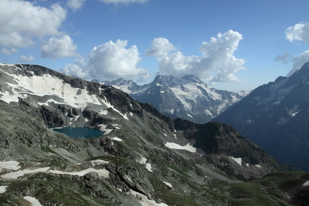 Valle delle montagne Foto Premium