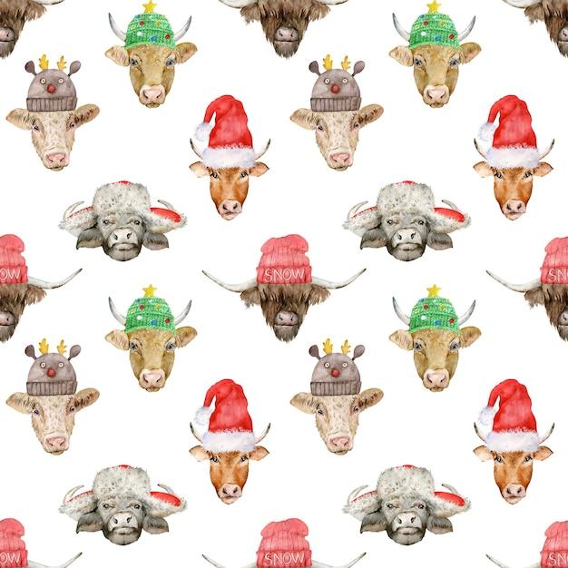 Modello senza cuciture di capodanno con teste di toro carino in cappelli di babbo natale e lavorati a maglia Foto Premium