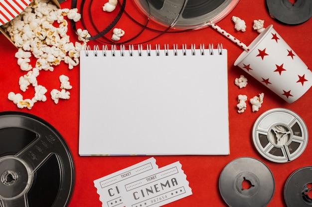 Attrezzatura per notebook e cinema Foto Premium