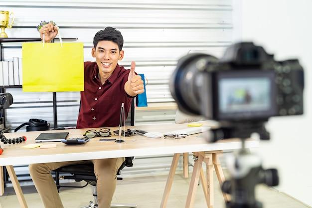 Vlog del commerciante online in diretta Foto Premium