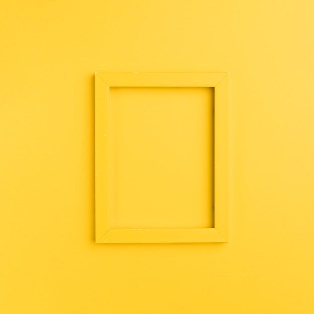 Cornice arancione su sfondo arancione Foto Premium