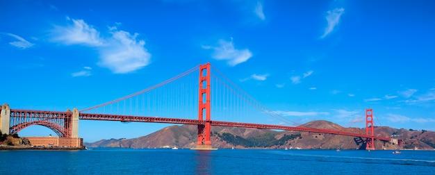 Vista panoramica del famoso golden gate bridge di san francisco, stati uniti d'america Foto Premium