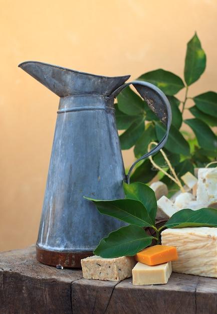 Foto di saponi naturali fatti in casa Foto Premium