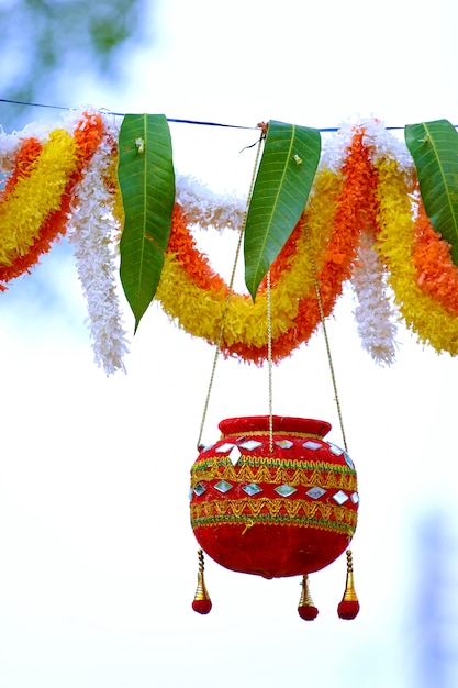 Fotografia del festival di dahi handi in india Foto Premium