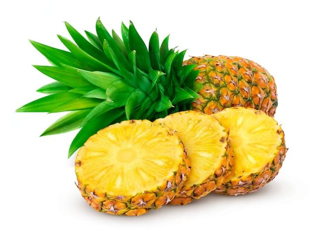 Ananas isolato su sfondo bianco Foto Premium