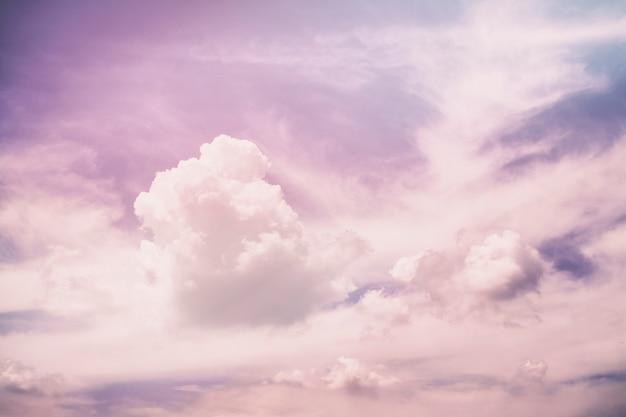 Nuvole astratte irreali viola rosa Foto Premium