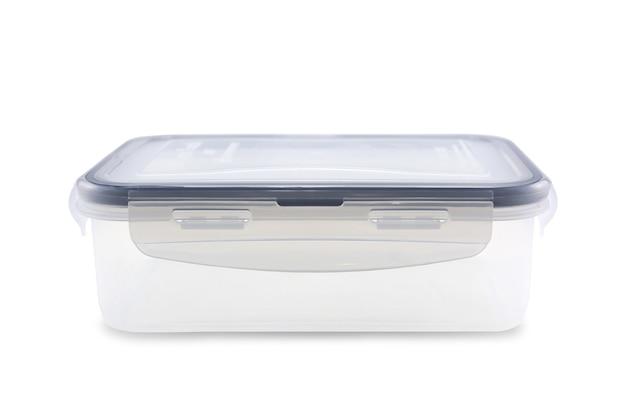 Scatola di plastica per alimenti isolati su sfondo bianco. tracciato di ritaglio. Foto Premium