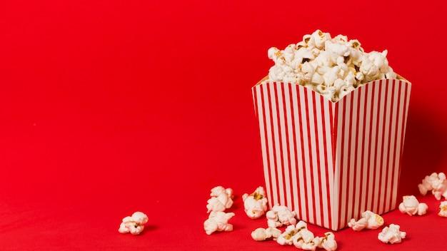 Scatola per popcorn con copia-spazio Foto Premium