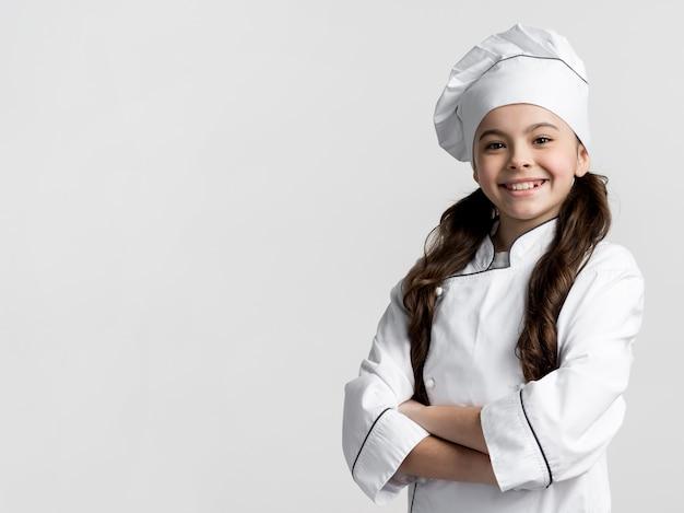 Ritratto di ragazza adorabile con copia spazio Foto Premium