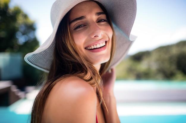 Ritratto di donna sorridente Foto Premium