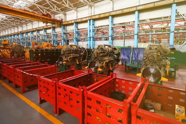 Linea di produzione per veicoli di grandi dimensioni nello stabilimento Foto Premium