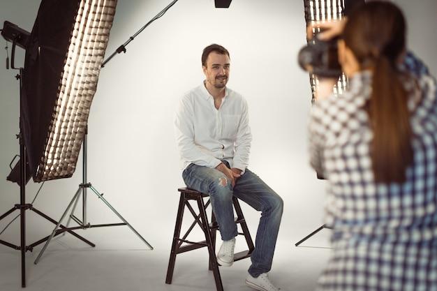 Servizio fotografico professionale in studio Foto Premium
