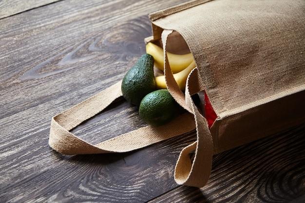 Shopping bag riutilizzabile con frutta fresca Foto Premium