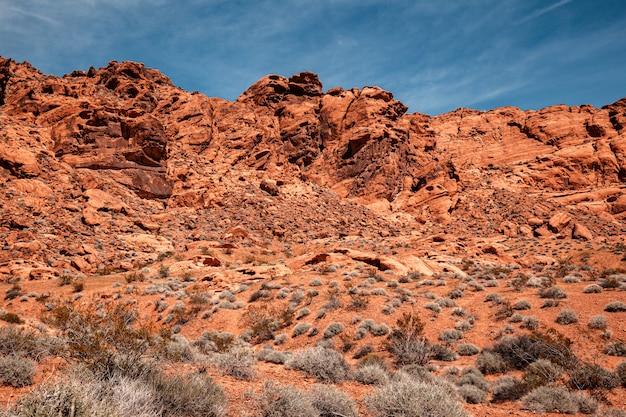 Deseert di pietra scenico alla valle del parco di stato del fuoco, paesaggio nel nevada del sud, usa Foto Premium