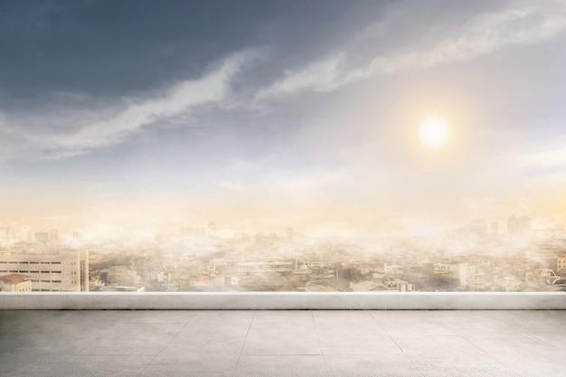 Fumo e inquinamento atmosferico in un giorno Foto Premium