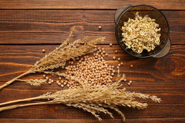 I cereali germogliati fanno bene alla salute. c Foto Premium
