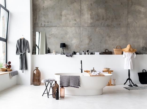 Bagno elegante in una casa moderna Foto Premium