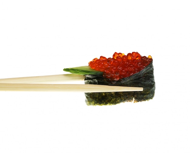 I sushi con le bacchette hanno sparato su bianco Foto Premium