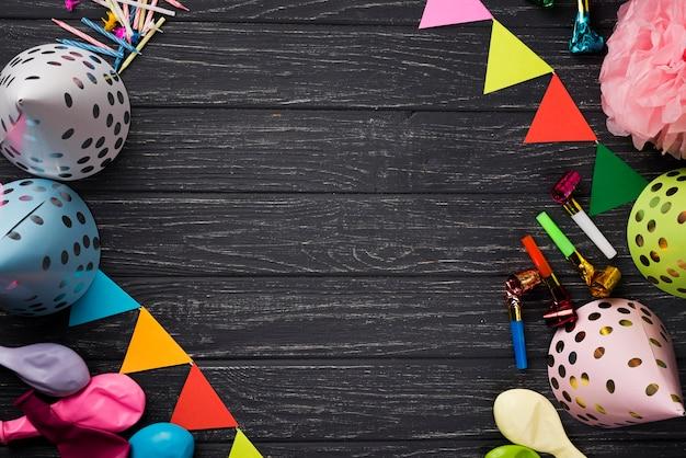 Cornice vista dall'alto con decorazioni per feste Foto Premium