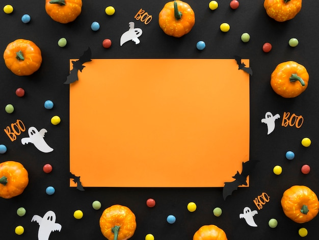 Concetto di halloween vista dall'alto con le zucche Foto Premium