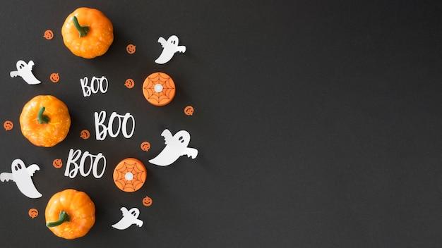 Zucche di halloween di vista dall'alto con lo spazio della copia Foto Premium