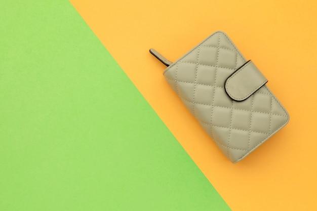 Borsa o portafoglio donna nuova vista dall'alto Foto Premium