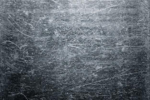 Foglio ritorto di vecchia struttura del metallo, priorità bassa del piatto d'acciaio esposto all'aria Foto Premium