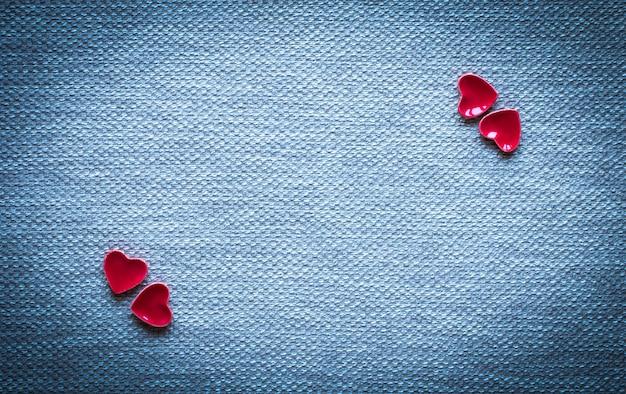 Sfondo di san valentino, con cuori e vari elementi romantici Foto Premium