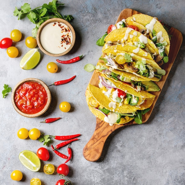 Tacos di mais vegetariani Foto Premium