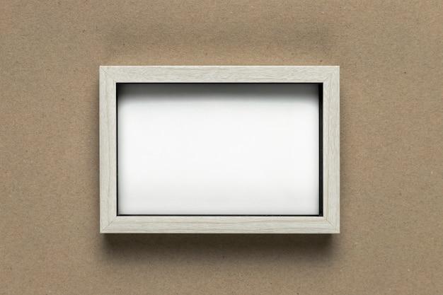 Cornice bianca vintage su piatto disteso Foto Premium