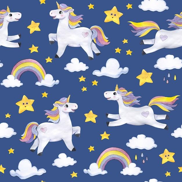 Modello acquerello su sfondo blu scuro con unicorni, nuvole, stelle, arcobaleni Foto Premium