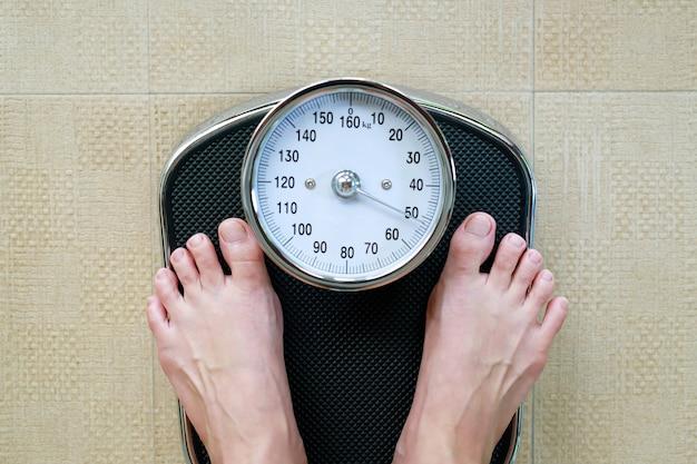 Bilance per persone obese Foto Premium