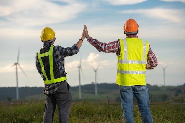 Ingegnere dei mulini a vento Foto Premium