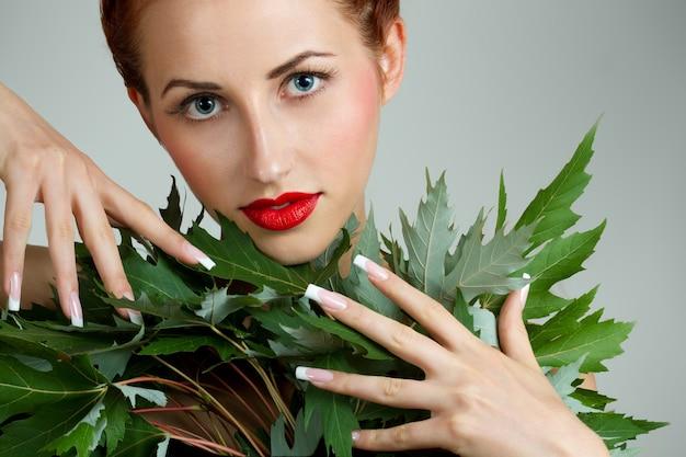 Donna con french manicure Foto Premium