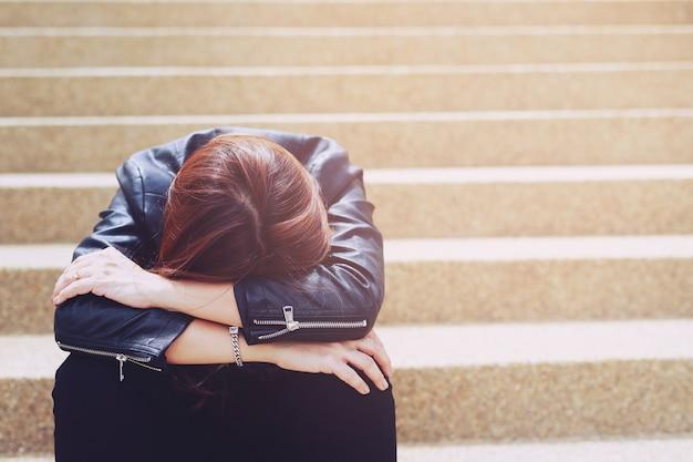 Donne stressate senza lavoro a causa di covid 19 Foto Premium