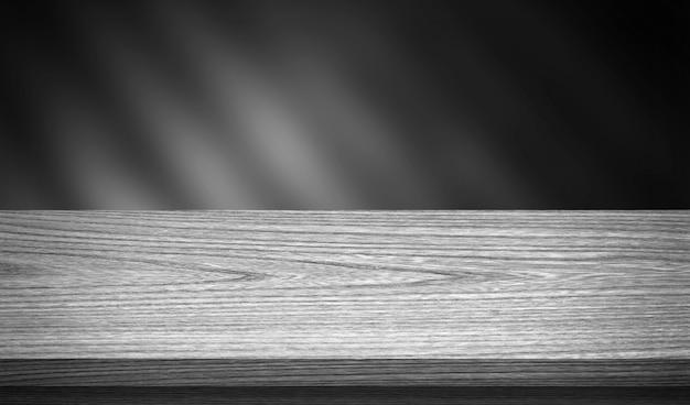 Tavolo in legno per il montaggio dell'esposizione del prodotto Foto Premium