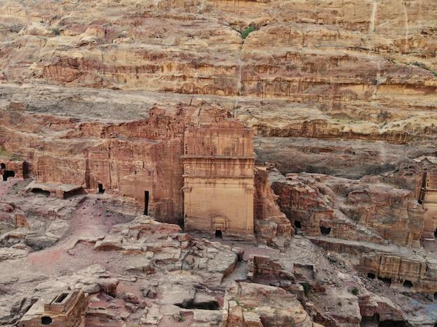 Patrimonio mondiale, la vera perla di tutto il medio oriente - la città nabaziana di petra. ottimo posto storico in giordania Foto Premium