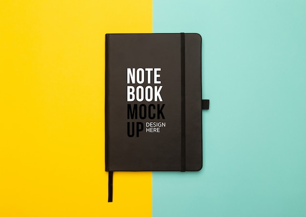 Modello di notebook nero modello piatto lay o vista dall'alto. Psd Premium