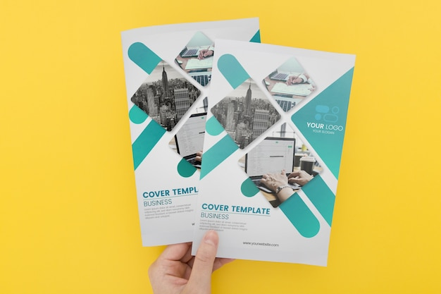 Brochure concept mock-up Psd Premium