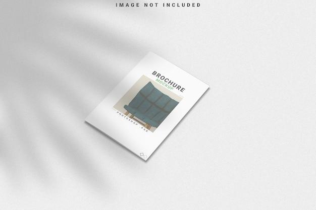 Mockup di brochure con sovrapposizione di ombre Psd Premium