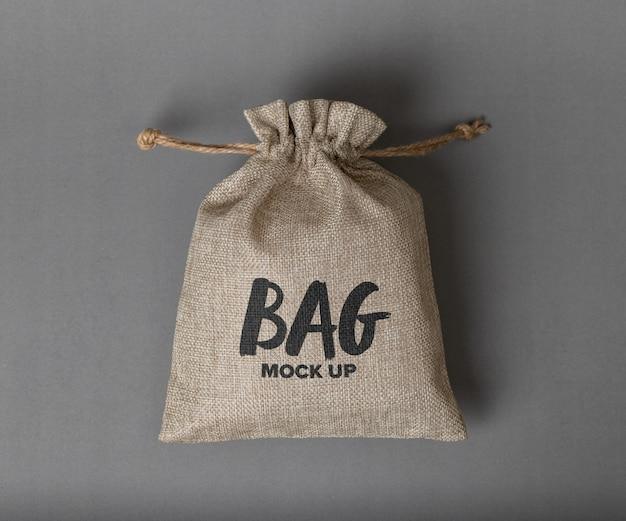 Sacco di iuta con mockup logo isolato Psd Premium