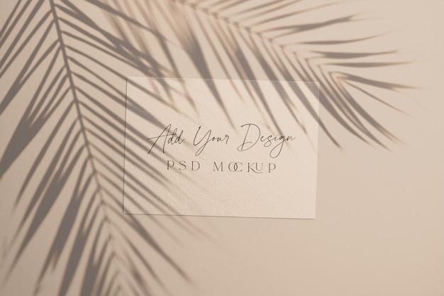 Carta con foglie di palma ombra sovrapposta Psd Premium
