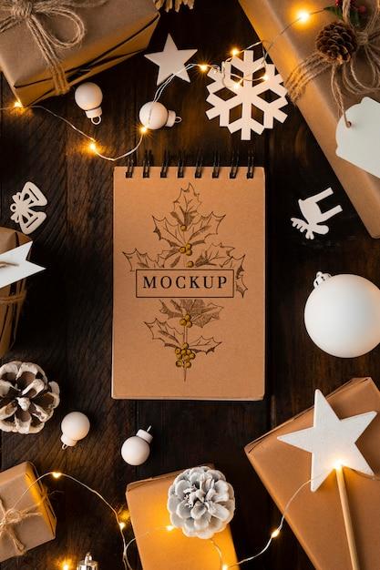 Natale mock-up piatto lay decorazioni bianche Psd Premium