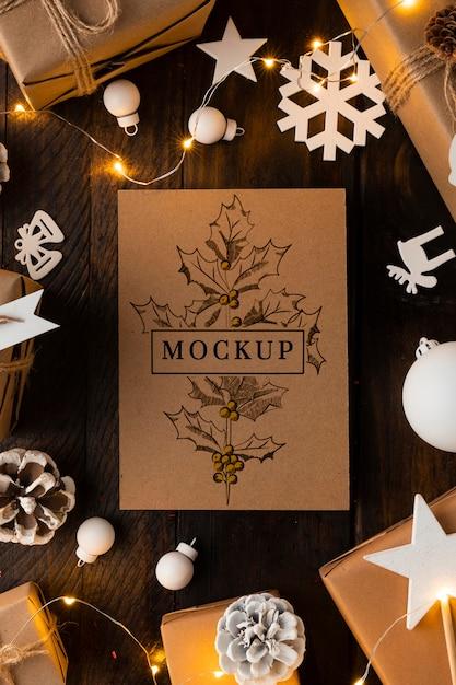 Mock-up natalizio con decorazioni bianche Psd Premium