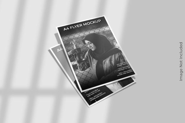 Primo piano sul mockup flyer con ombra Psd Premium